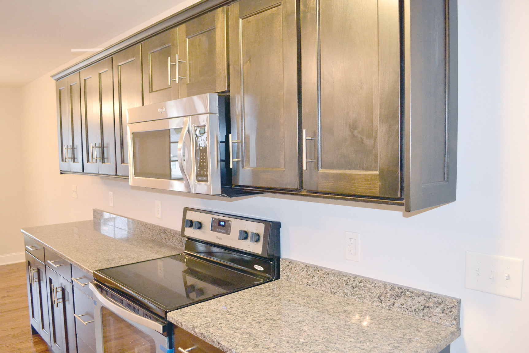 Matching Kitchen Appliances 4 Bedroom 3 Bath Family Home Found In Silver Springs Subdivision