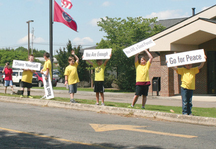 MOTORISTS traveling past the Bradley County Schools central office heading toward Bradley Central High School were greeted with positive messages from Park View Elementary students one recent afternoon.