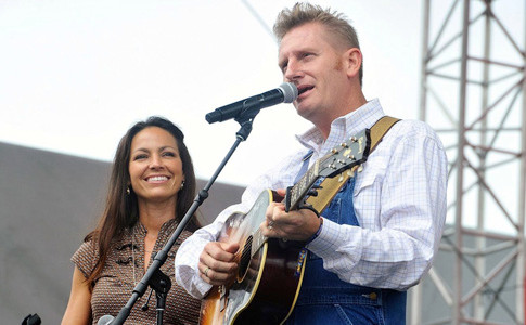 THE SPEAKER of On Point's fundraising dinner in Cleveland, Rory Feek, was half of husband-and-wife country music duo Joey+Rory, shown here. He will share how he held on to hope after Joey died from cancer last year.