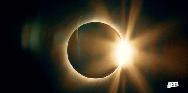 "JONATHAN STONE shared this ""diamond ring"" effect of the eclipse."