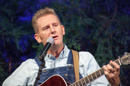 "RORY FEEK SINGS a song titled ""That's Important to Me"" that he says describes his recently passed wife, Joey, ""to a T."""