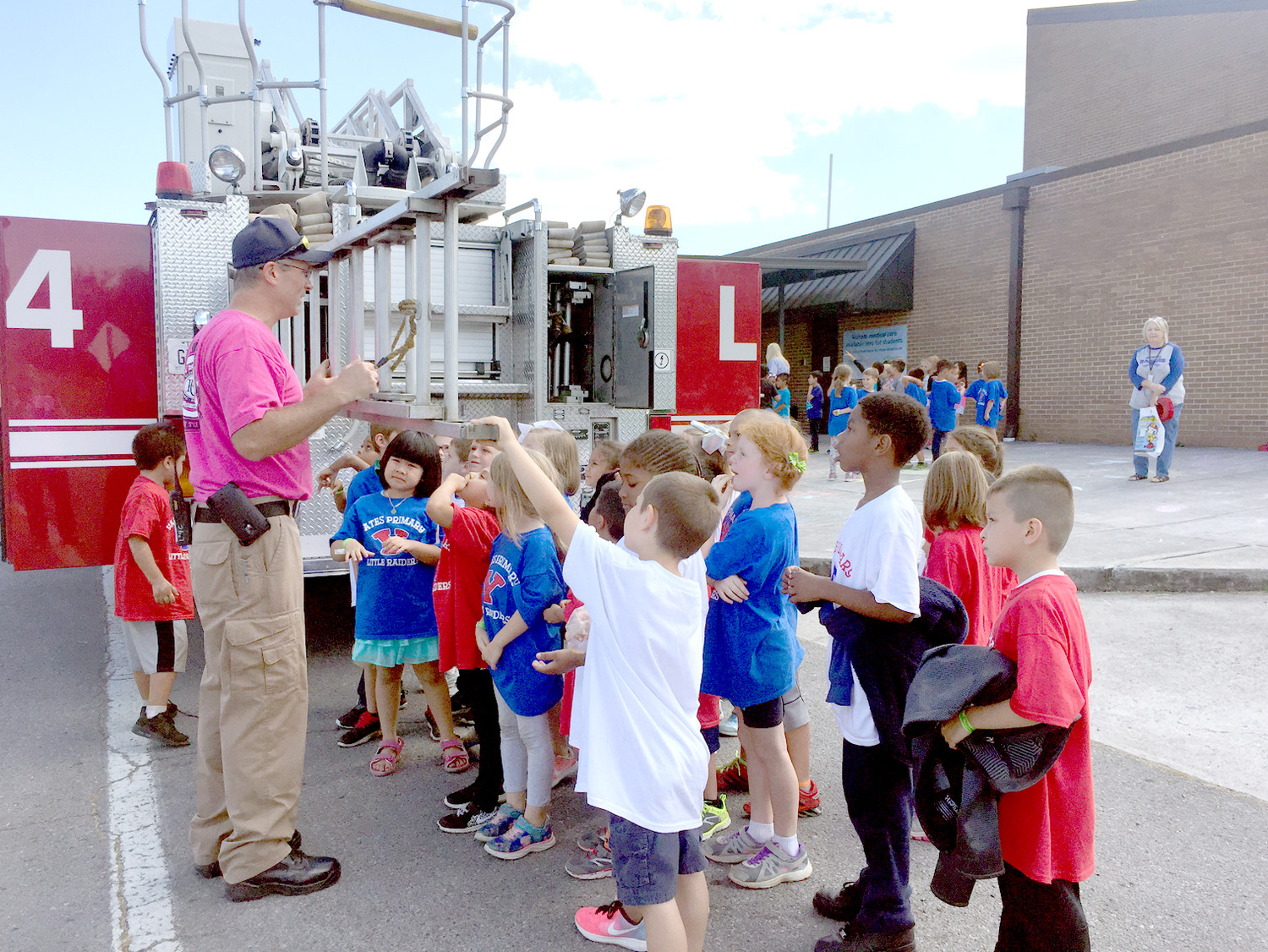 [YATES LADDER TRUCK]