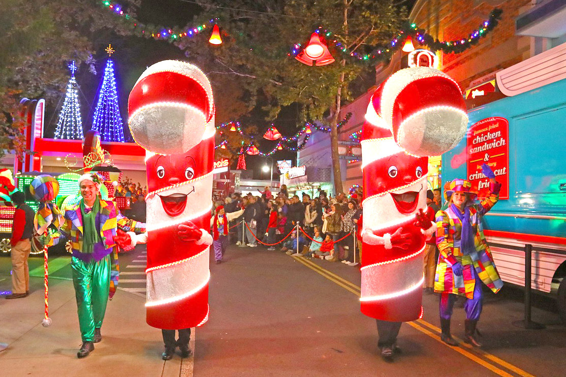 Dollywood: Lighting up for the holidays | The Cleveland