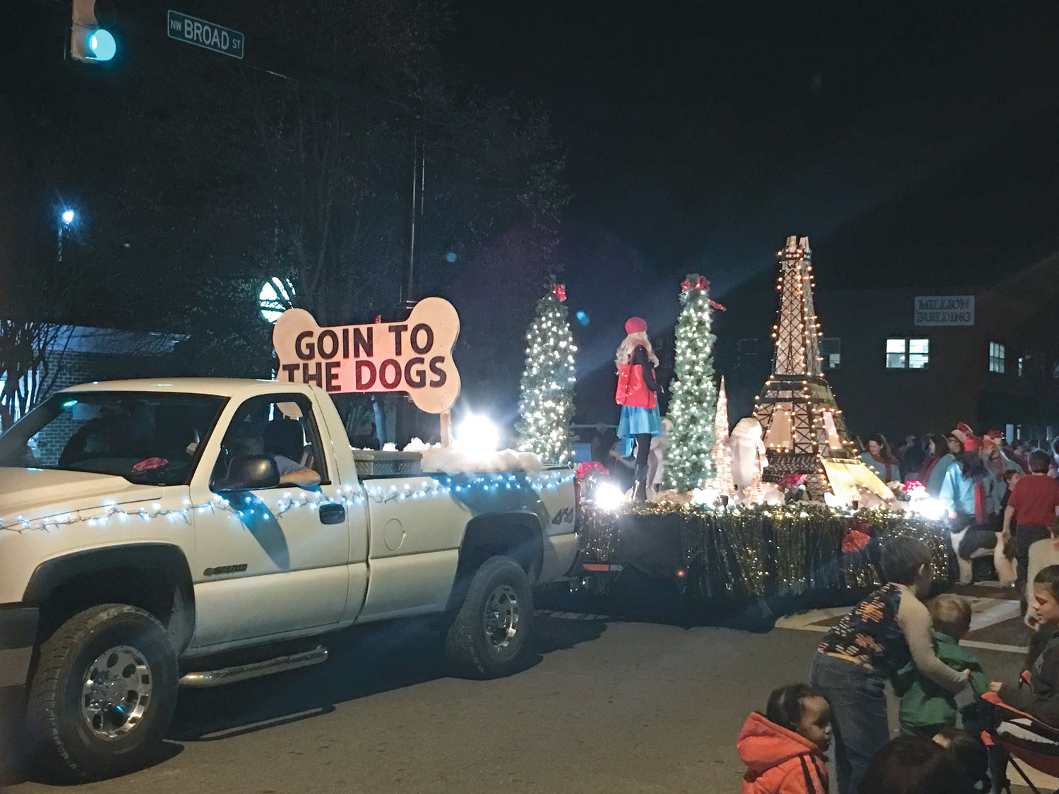 GOIN' TO THE DOGS was the winner of the Small Community Float award for the 2018 MainStreet Christmas Parade.