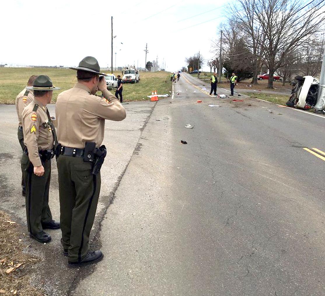 Single-car crash on Michigan Avenue Road ejects passengers