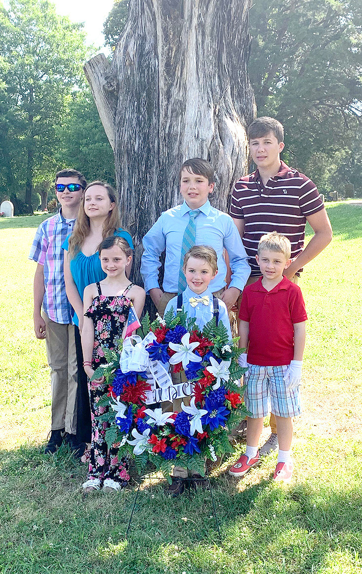 he Children of the Confederacy, Sumner A. Cunningham Chapter 13, participated in a memorial service May 27 at Fort Hill Cemetery. Victoria Willard, Ethan Peden, Zeke Pritchett-Back Garin Willard, Maney Willard, Luke Peden and Caleb Peden were on hand for the presentation.