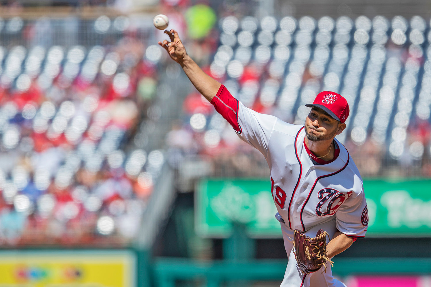 WASHINGTON NATIONALS' starting pitcher Anibal Sanchez (19) throws a pitch during the first inning of Sunday's game against the Atlanta Braves in Washington.