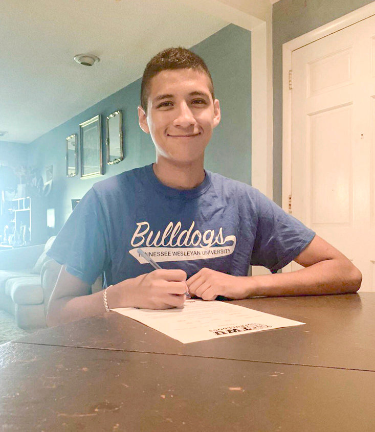 CSCC'S DEREK GALLARDO has signed a scholarship to run cross country with the Bulldogs of Tennessee Wesleyan University.
