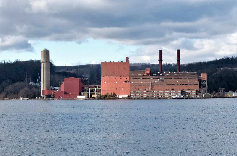 Danskammer Energy LLC is proposing a new plant to be built beside their old one on the Hudson River in the Town of Newburgh.