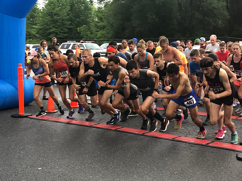 Two hundred twenty-five runners took off at the start of the annual Gardiner 5K race last Thursday.