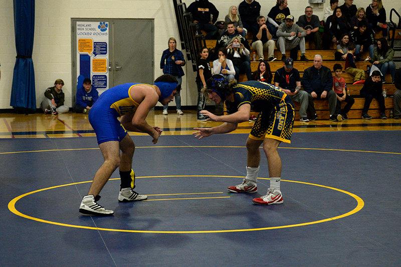 Logan Zehr defeated Ellenville's Noah Ghisolfi 3-0 in the 152 match.