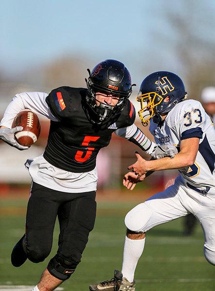 Gio Frisenda runs the football against Highland during the 2019 season. Frisenda will play football at The College at Brockport next season.