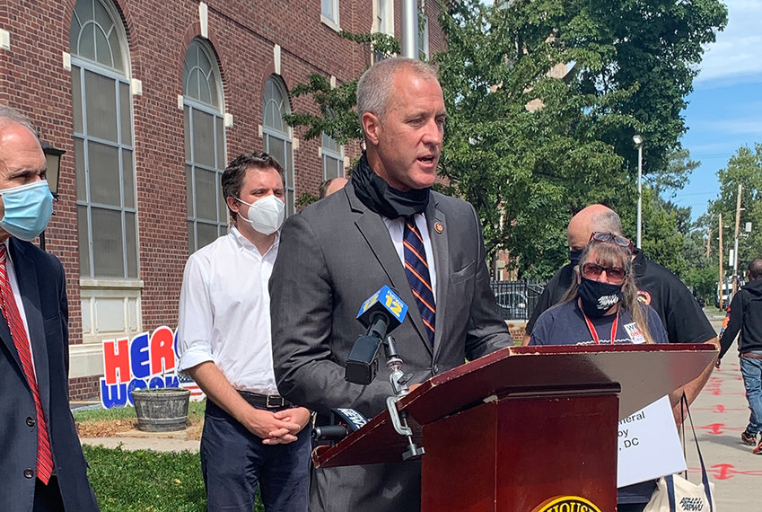 Representative Sean Patrick Maloney (D-Cold Spring) held a press conference on Thursday, September 3 outside of the Newburgh Post Office to discuss the Delivery for America Act.