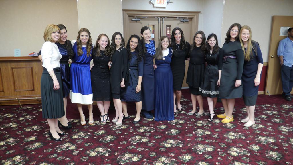 Mldreshet Shalhevet Graduates First Class