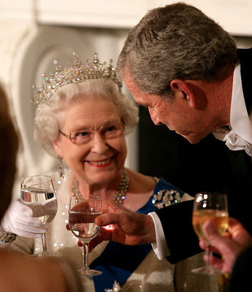 President George W. Bush toasts Her Majesty Queen Elizabeth II on May 7, 2007.