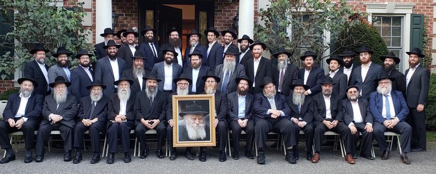 Front (from left): Rabbis Chaim Lieberman, Shmuel Butman, Moshe Goldman, Kasriel Kastel, Tuvia Teldon (regional director of Cabad Lubavitch of Long Island), Chaim Grossbaum, Mendy Heber, Mendy Goldberg, Leibel Baumgarten, Anchelle Perl, Levi Gurkov, Yaakov Saacks, Rafe Konikov. Middle (from left): Rabbis Efraim Mintz, Yaakov Wilansky, Mendy Teldon, Sholom Ber Cohen, Shmuel Lipszyc, Yona Edelkopf, Yossi Lieberman, Yonasan Biggs, Aizik Baumgarten,  Asher Vaisfische,  Motti Grossbaum, Shaya Hurwitz, Boruch Wolf, Levi Baumgarten, Aaron Shain, Yisroel Halon. Back (from left): Rabbis Yitzchak Goldshmid, Nochem Tenenboim, Berel Sasonkin, Yaakov Raskin, Yankel Lipskier, Eli Goodman, Mendy Paltiel, Dov Ber Paltiel, Shalom Lipszyc.