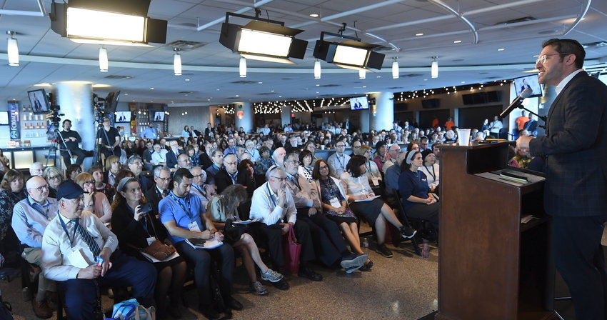 Charlie Harary leads one of 31 classes that tackled a wide range on Jewish subjects, at the OU's third annual Torah New York, at Citi Field on Sunday, Sept. 22,