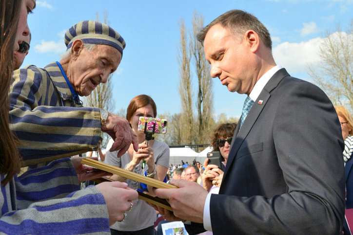 Holocaust survivor Edward Mossberg with Polish president Andrzej Duda at a ceremony at the site of the Auschwitz-Birkenau camp in Poland, on April 12, 2018.