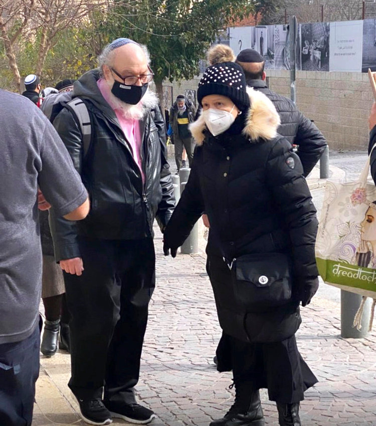 Our photographer spotted Jonathan and Esther Pollard as they strolled holding hands on Agripas St. in Jerusalem, near the Machane Yehuda shuk, earlier this year.