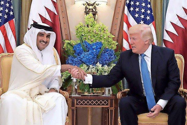 President Donald Trump and Qatar's Emir Sheikh Tamim Bin Hamad Al-Thani  in Riyadh on May 21, 2017.