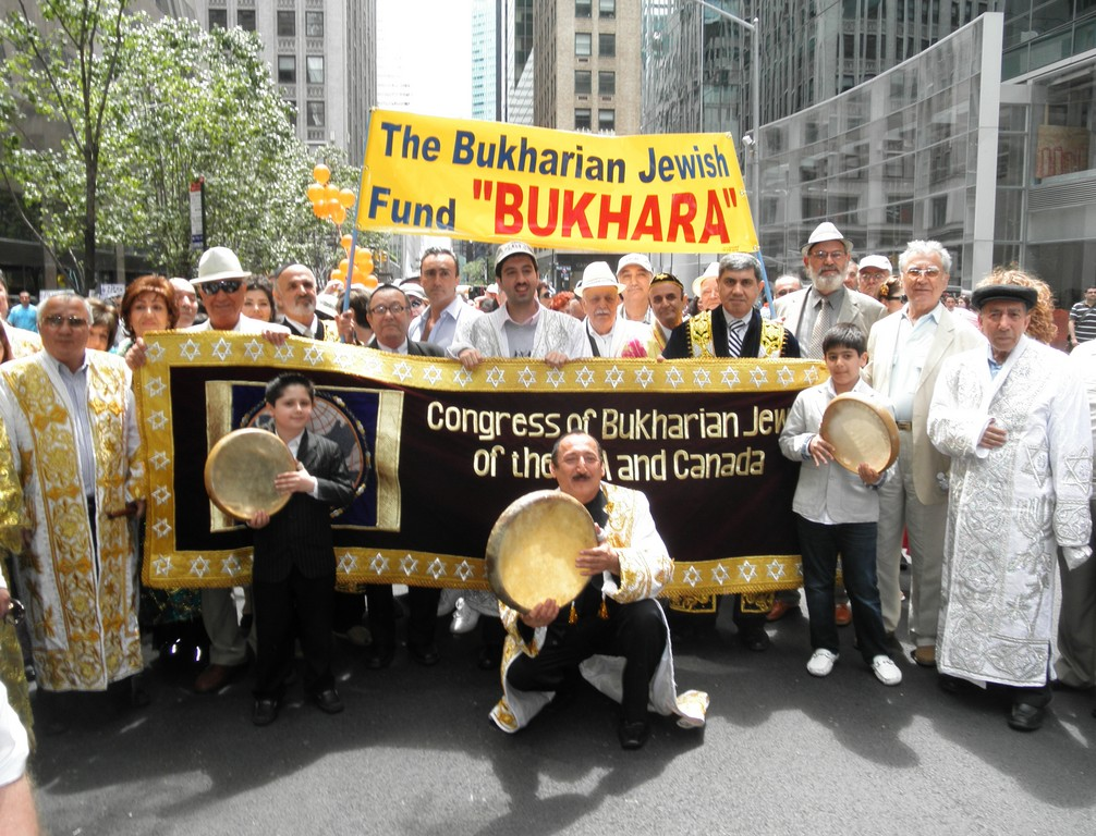 Queens-based Bukharian Jewish Congress danced with joma-clad shashmakom musicians led by Yakov Barayev.