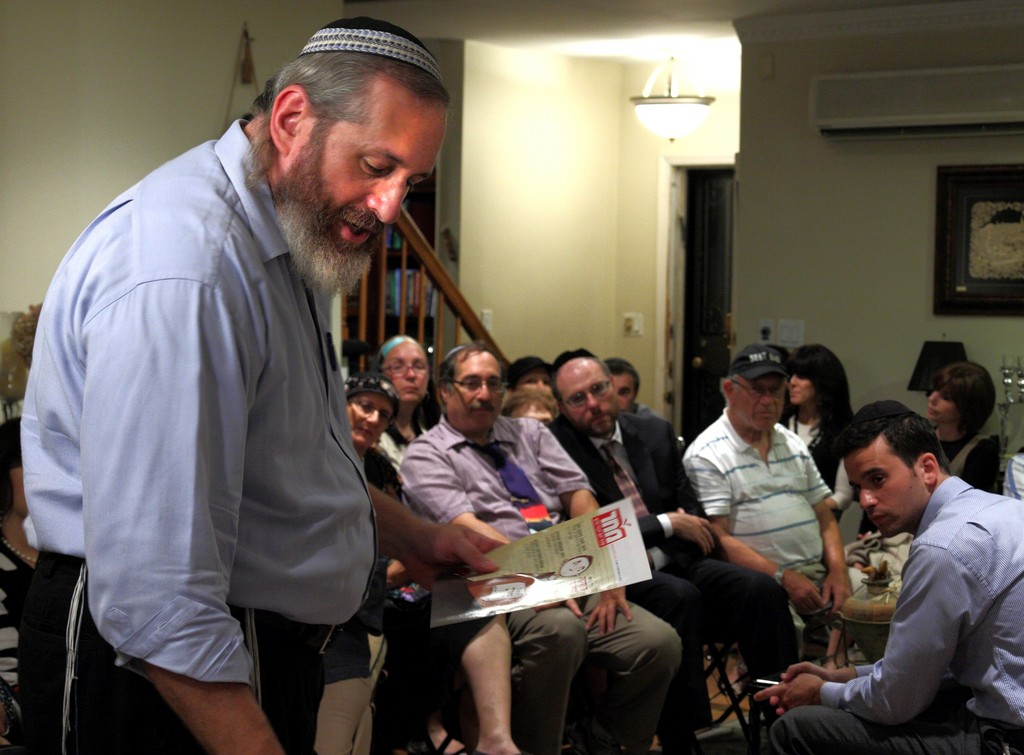 Activist Shmuel Sackett speaks about the religious and political challenges facing Israel
