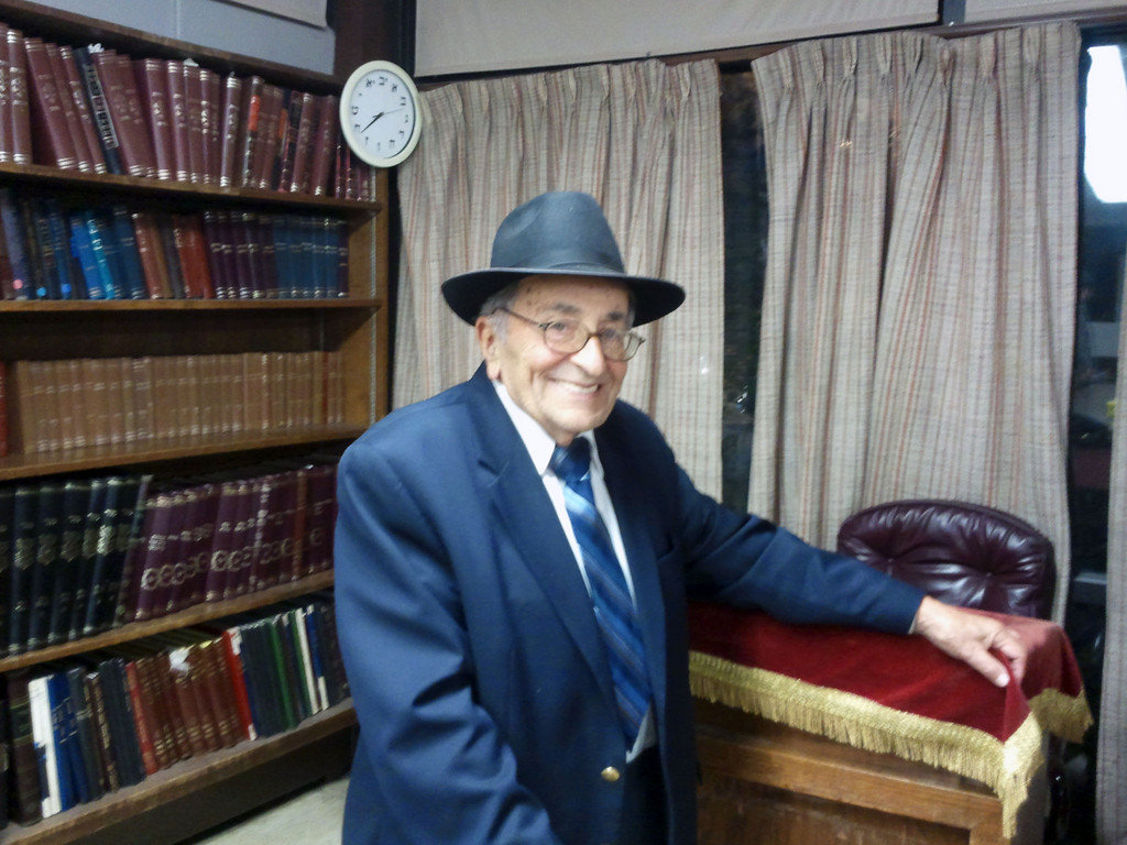 Rabbi Pelcovitz will be honored by the White Shul this Shabbat on his 60th year in the community.