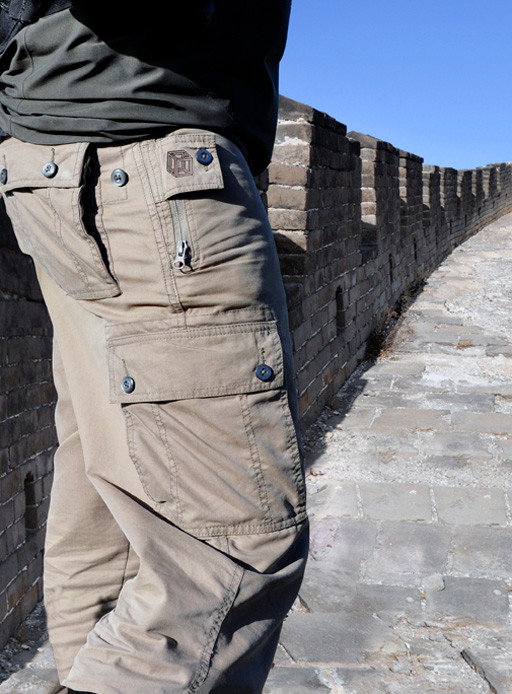 The Adventure-style Pick-Pocket Proof pants have a more casual look and resemble cargo pants with big side pockets.
