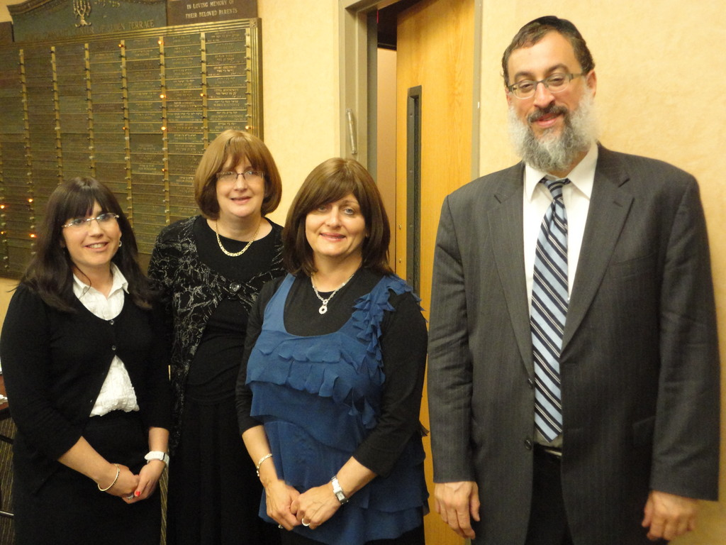 Bonnie Kupchik, YIWH Sisterhood Co-President, Rebbetzin Judi Steinig, Director of Programming, National Council of Young Israel, Esther Friedman, Director, SHALOM Workshop, Rabbi Daniel Schonbuch, Executive Director, Shalom Task Force.  Not pictured but co-chairing the program was Sari Altmark, YIWH Sisterhood  Co-President.