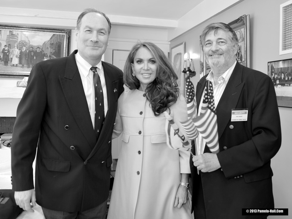 From left, Jeffrey Wiesenfeld, Pamela Geller, Dr. Paul Brody at Great Neck Chabad.  Wiesenfeld and Brody were instrumental in having Geller speak in Great Neck. Rabbi Yosef Geisinsky of Great Neck Chabad invited her to speak when her appearance was canceled from another synagogue.