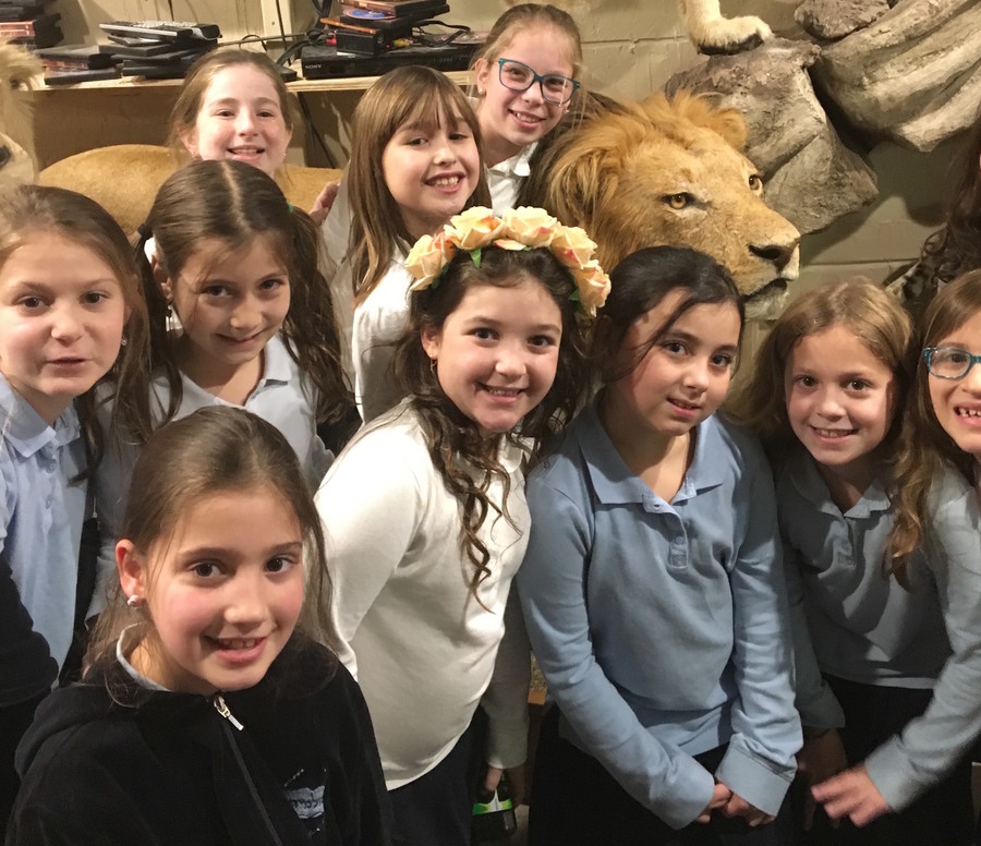 Torah comes alive for 4th graders