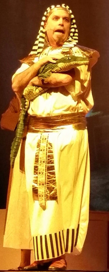 Yosef Sruli Greenberger as Potiphar in 'Yosef'