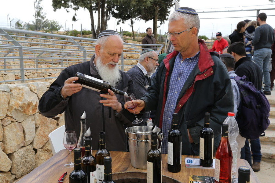 People at the Wine Festival at the Gush Etzion Winery in advance of Peach in 2015.