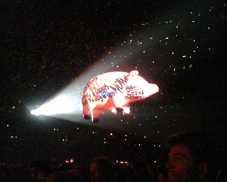 Roger Waters' pig at the Gelredome in Arnhem, the Netherlands, in 2005.