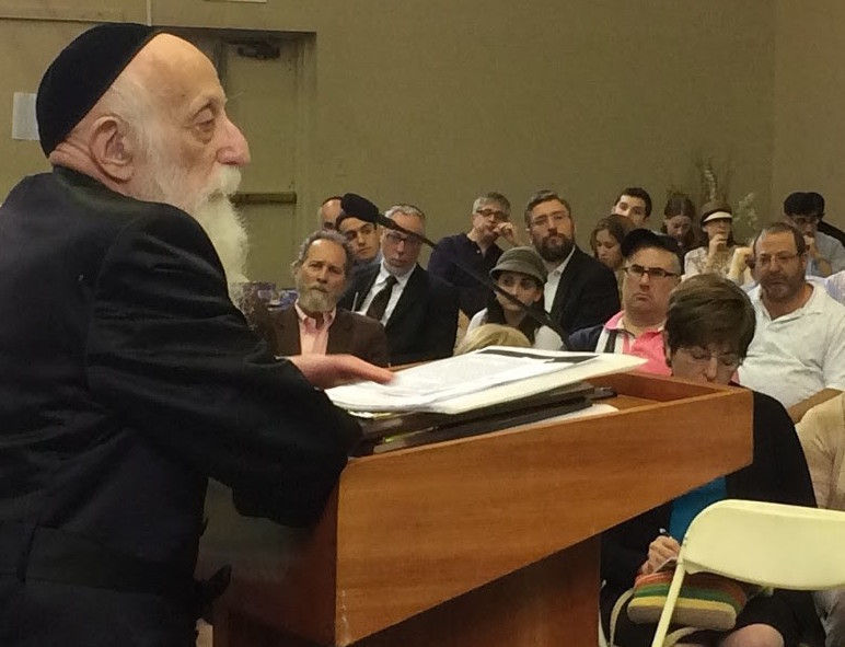Rabbi Abraham Twerski speaking at the Five Towns Community Education Conference, at the Young Israel of Woodmere, in June, 2015.