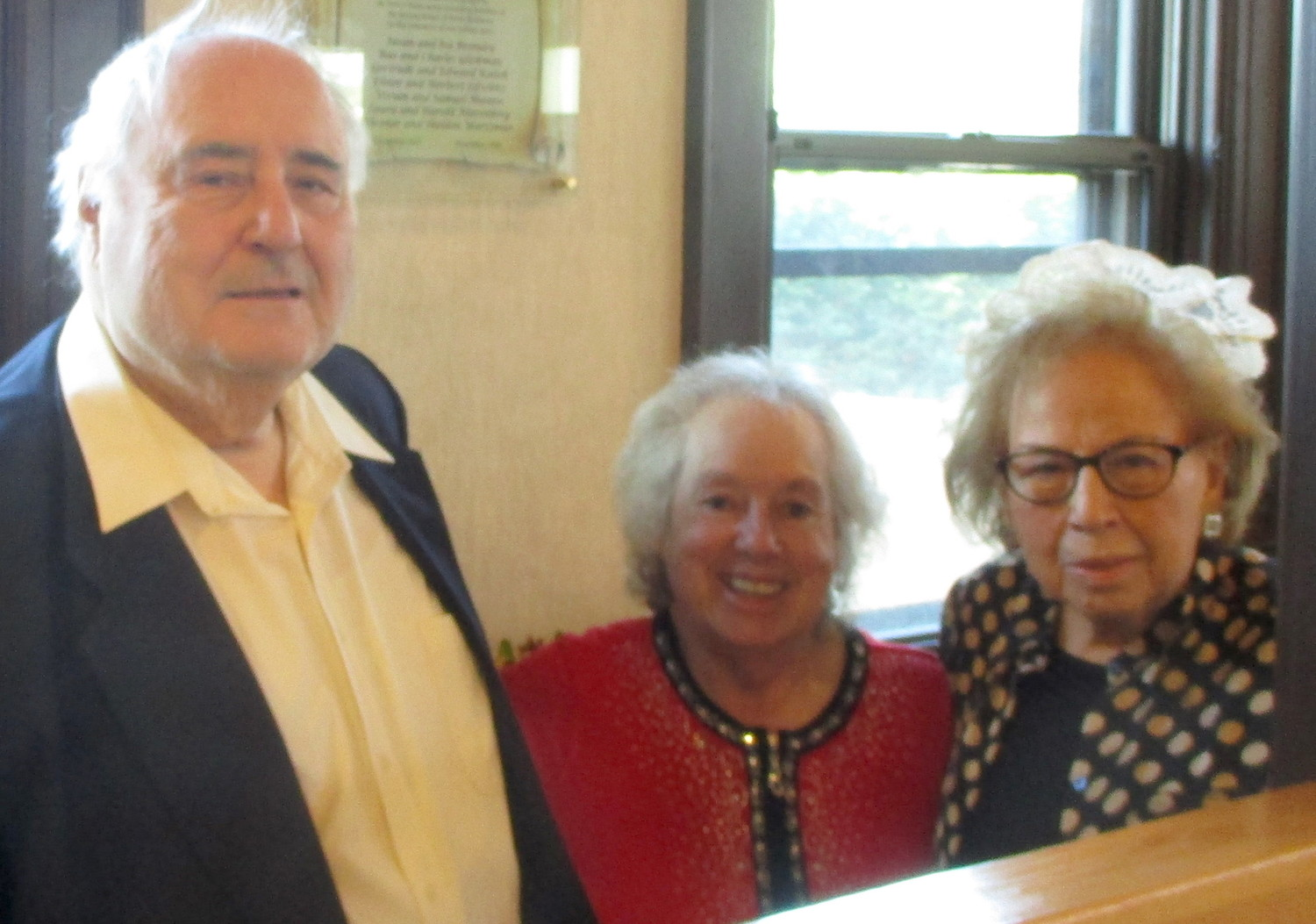 Young Israel of North Bellmore founding members Shelly Wortzman, Elinor Wortzman and Laura Niereenberg.