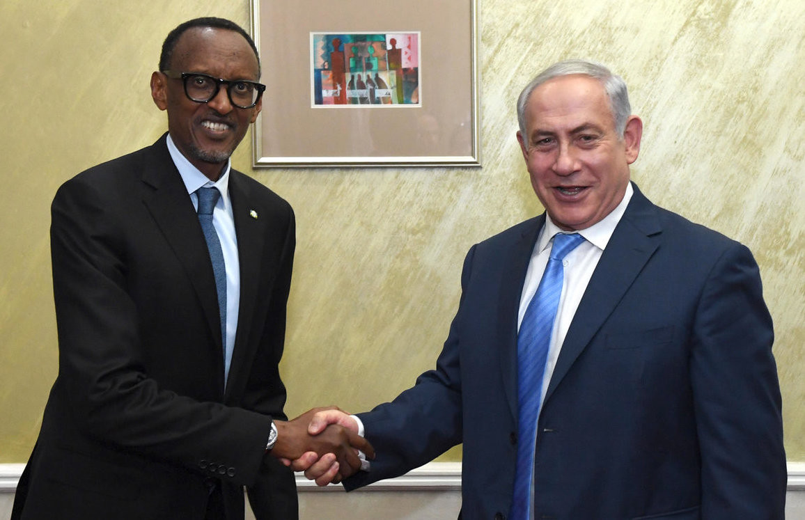 Israeli Prime Minister Benjamin Netanyahu meets with Rwandan President Paul Kagame in Nairobi, Kenya, on Nov. 28.