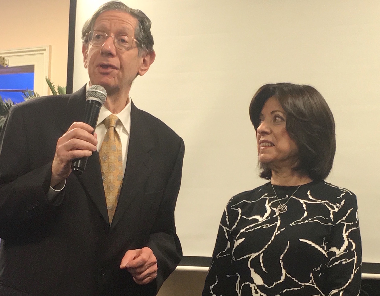 The Jewish Star's 'Kosher Bookworm' columnist Alan Jay Gerber speaks at Sunday's Levi Yitzchak Family Center breakfast. He and his wife, Helene, were among three couples honored as library ambassadors.