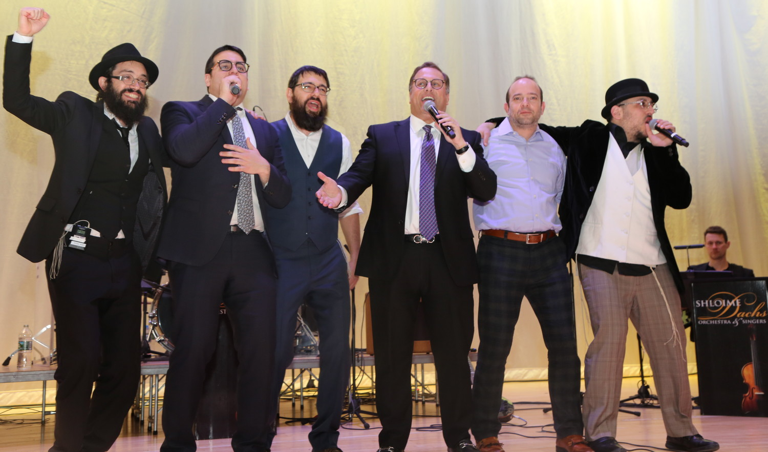 Lipa, Eighth Day, Uri Davidi and Shloime Dachs joined the finale at Cahal's benefit concert on Sunday.