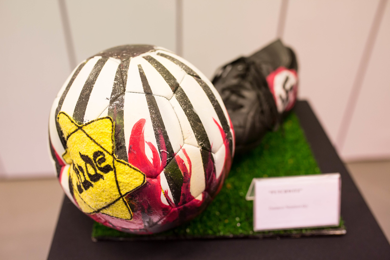 The exhibition at River Plate's museum includes six illustrated soccer balls. This one was done by Diego Rodríguez, Augusto Costhanzo, Sergio Langer, Rica Núñez and Gustavo Nemirovsky.