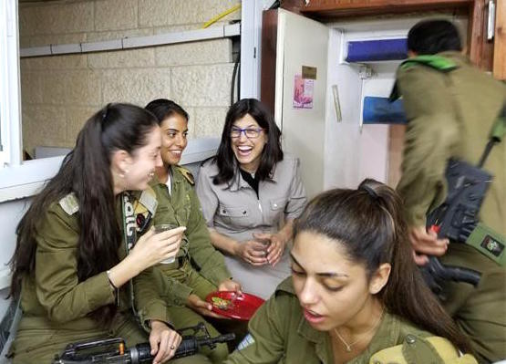 Batsheva Cohen with female troops