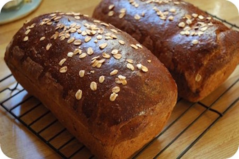 Whole wheat and oat bread