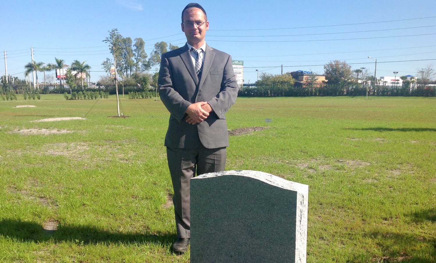 Rabbi Jay Lyons, founder of the South Florida Jewish Cemetery, wants to persuade local Jews to choose traditional burial as opposed to cremation.