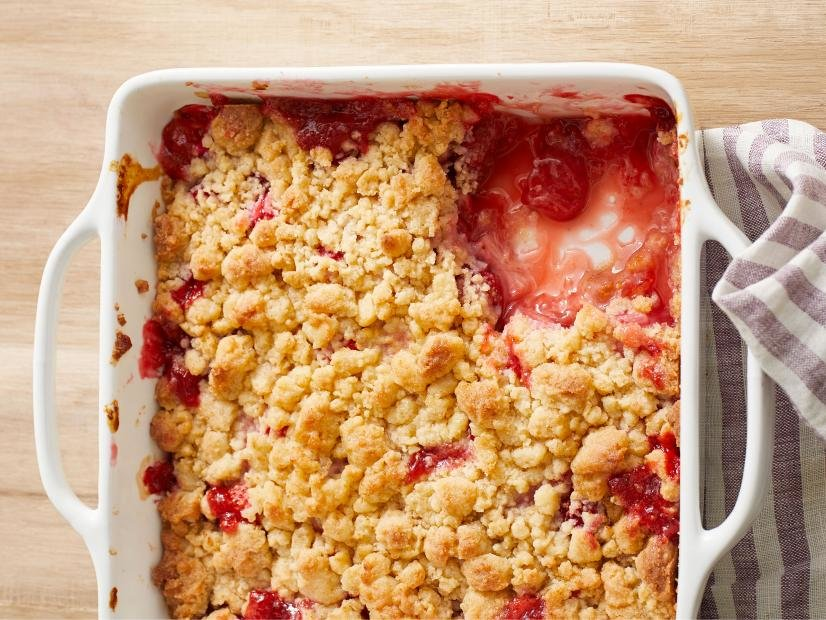 Red berry rhubarb crisp