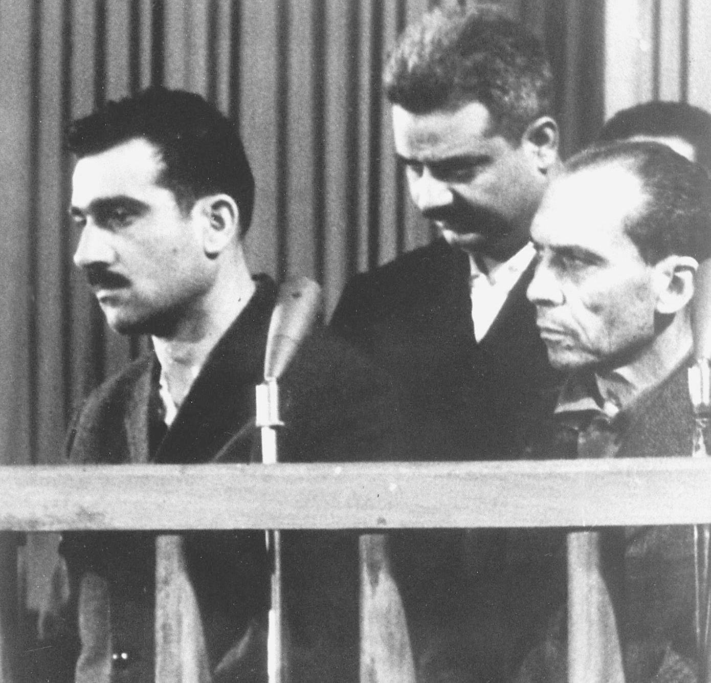 Israeli spy Eli Cohen, left, and two unidentified co-defendants, during their trial in Damascus, ten days before his execution, May 9, 1965.