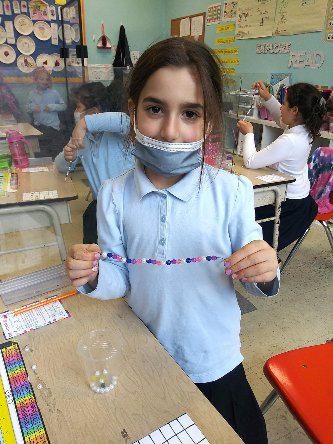 In CAHAL-Shulamith 1-2, girls replicated kriyas Yam Suf and collected treasures, turning them into bracelets to wear on yom tov.