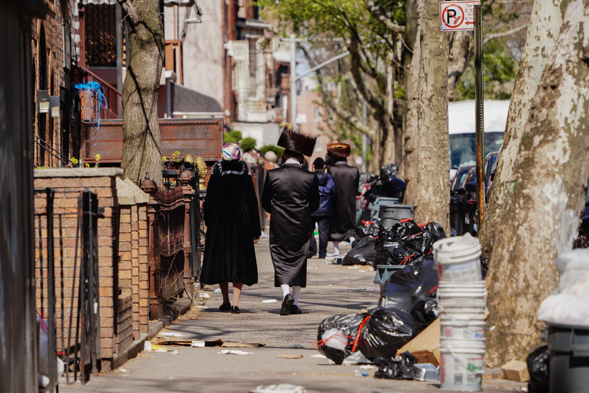 A view of orthodox jewish people during Passover in Williamsburg in Brooklyn New York USA during coronavirus pandemic on April 11, 2020. (Photo by John Nacion/NurPhoto)