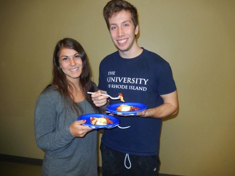 Marissa Weinstein and Eric Haglund enjoy their homemade shakshuka at URI Hillel.