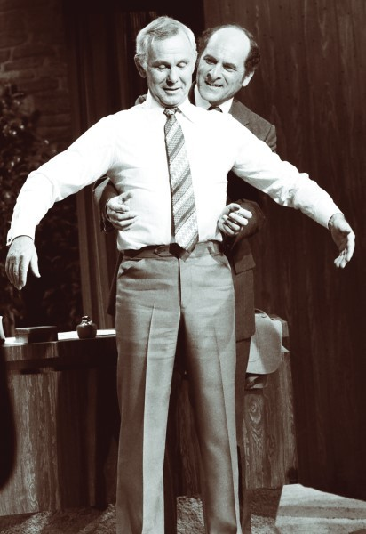 Henry Heimlich deomonstrating the Heimlich maneuver 