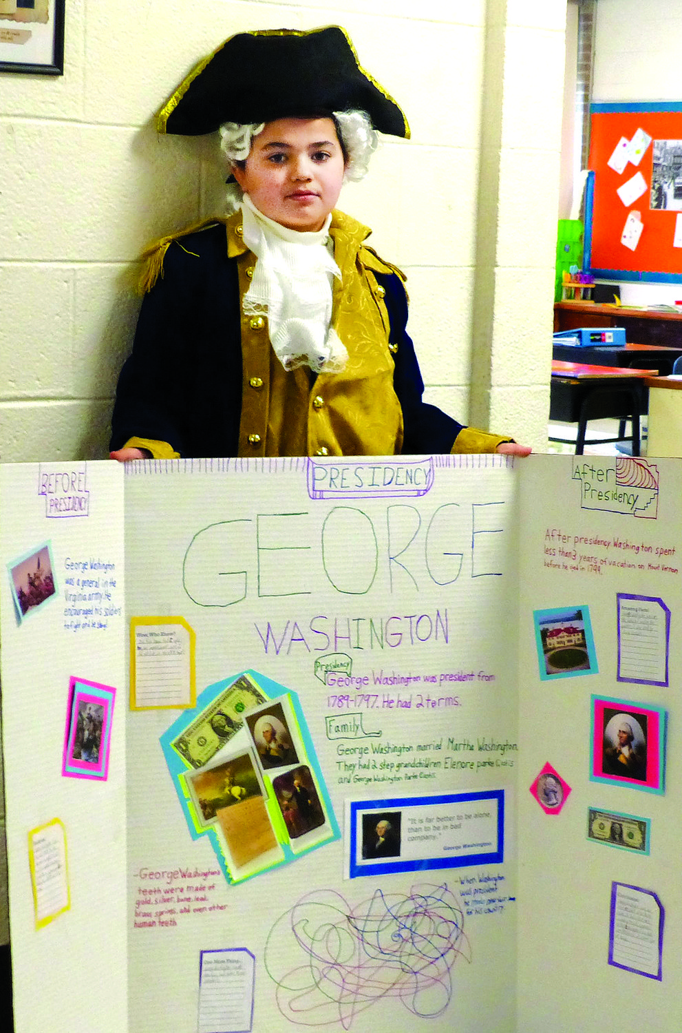 George Washington (Eliyahu Minkin) with a display about this life.